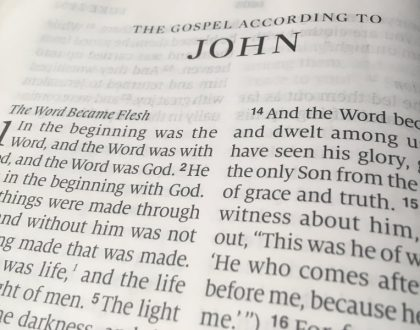 A Reading of John's Gospel